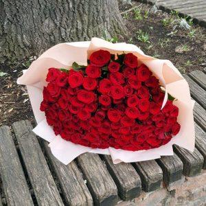букет на день рождения 101 красная роза