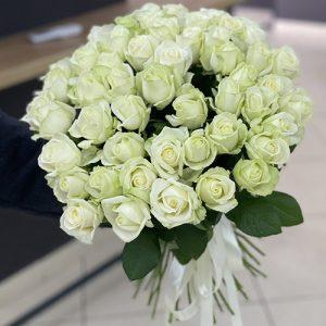 букет 51 белая роза в Чернигове фото