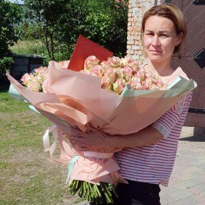 101 нежно-розовая роза в Чернигове фото