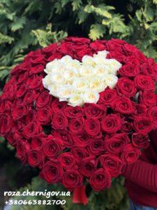 фото 101 роза в форме сердца